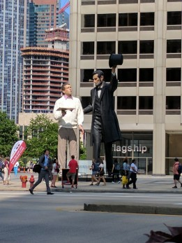 """Return Visit"" sculpture by Seward Johnson. Lincoln explaining the Gettysburg address to a common man."